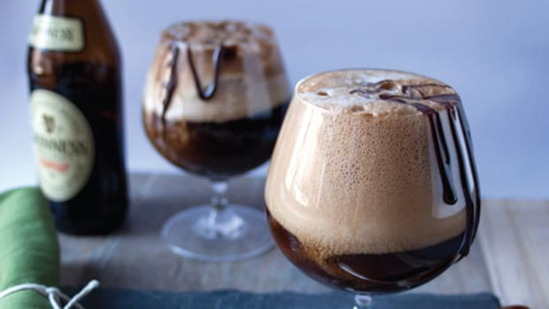 Verily-Magazine_St-Patricks-Day-Guinness-Float-1