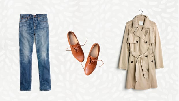 Spring Wardrobe essentials, Wardrobe Essentials, Spring Clothes, Trench Coat, Oxfords, Madewell Jeans, Light Wash Jeans