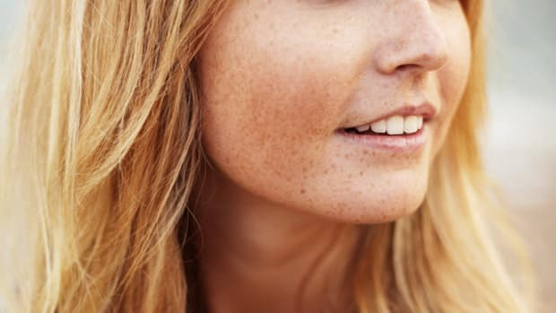 Eyelashes Falling Out? Dermatologists Weigh In on Losing