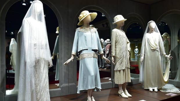111417_Downton Abbey Exhibit_1200x620_v1