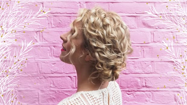 122117_Sophisticated Updo Tutorials For Curly-Haired Ladies_1200x620_v1