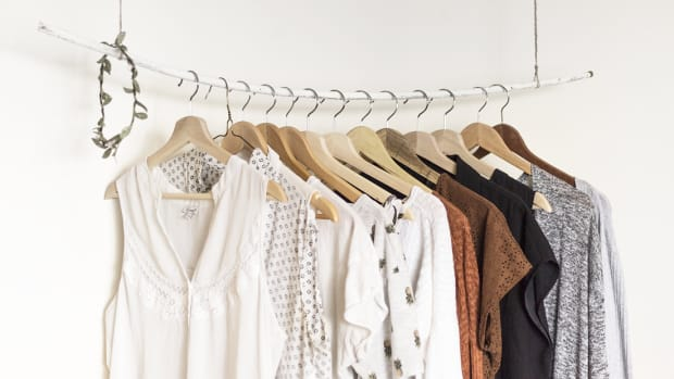 1318_Clean Out and Organize Your Wardrobe Like A Professional In 4 Easy Steps_v1