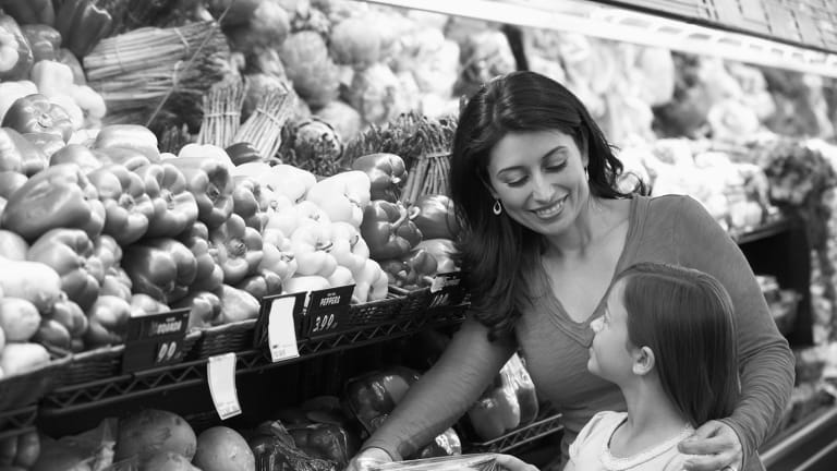 5 Awesome Budgeting Tips I Learned from Grocery Shopping with My Mom