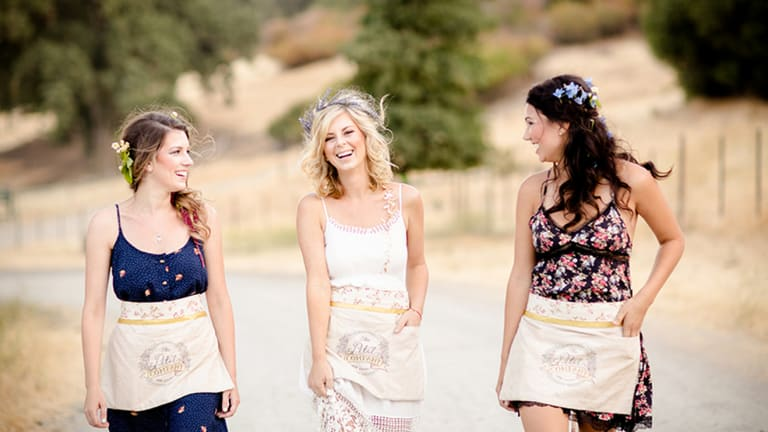 4 Things a Single Woman Wants Her Married Friends to Remember After the Big Day