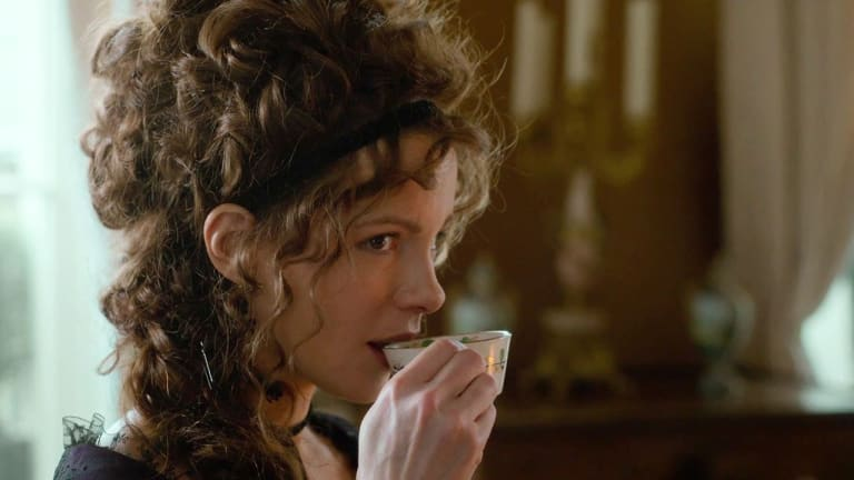 4 Reasons You Need to Watch the Latest Jane Austen Film, 'Love & Friendship'