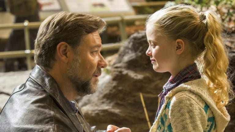 4 Reasons the New Fathers and Daughters Movie Is So Powerful