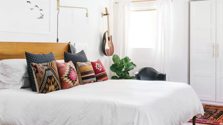 5 Simple Styling Tips You Need to Make Your Bedroom a Clutter-Free Safe Haven (and Keep It That Way)
