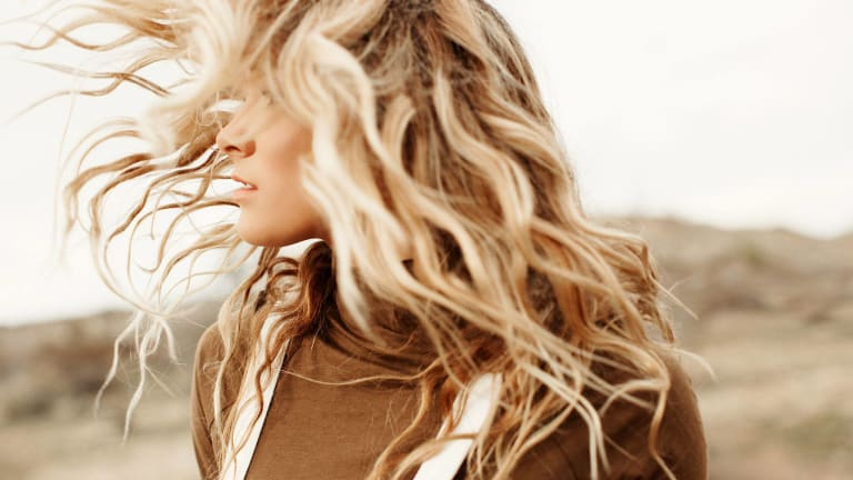 Simple Hacks for Voluminous Hair That You Haven't Heard of Yet