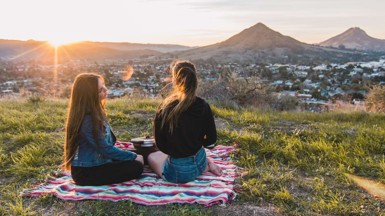 10 Enriching Ways to Bond with Your Girlfriends—Besides Happy Hour