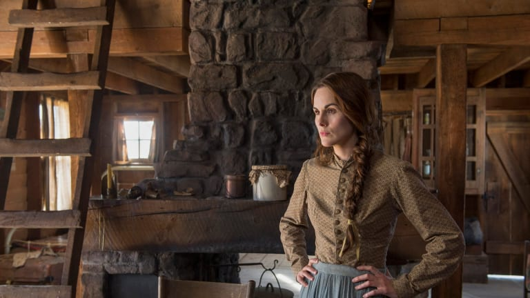 Michelle Dockery's 'Godless' Isn't the Fictional Female-Driven World You Expected