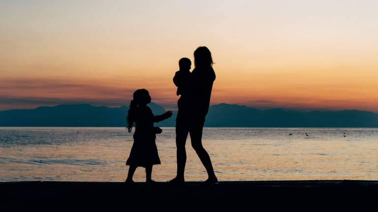 Is the Old Dichotomy of 'Working Mom' Versus 'Stay at Home Mom' Obsolete?