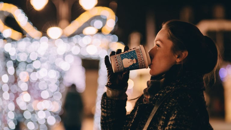 Consider This: Celebrating Holiday Traditions As a Single Woman