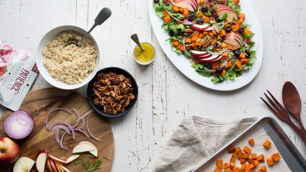 salade-quinoa-patates-douces-canneberges-pacanes-9.jpg