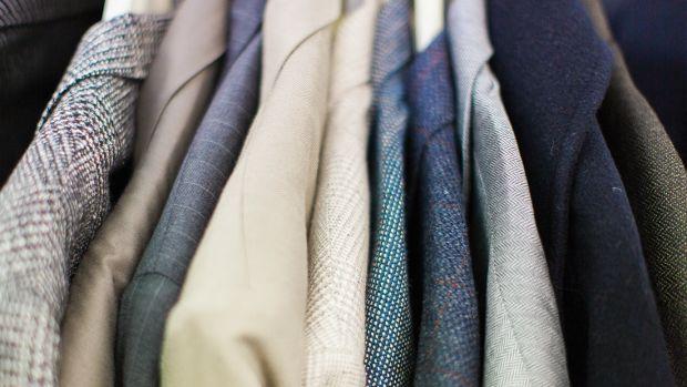 91317_Tips For Finding Modern Basics At The Thrift Store_1200x620_v1
