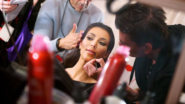 1024px-Kim_Kardashian_backstage_at_The_Heart_Truths_Red_Dress_Collection_2010
