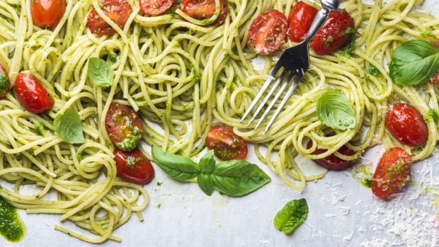 "121217_Cutting Through the Hype- Are These ""Healthy"" Veggie Pastas Actually Better for You?_1200x620_v1"