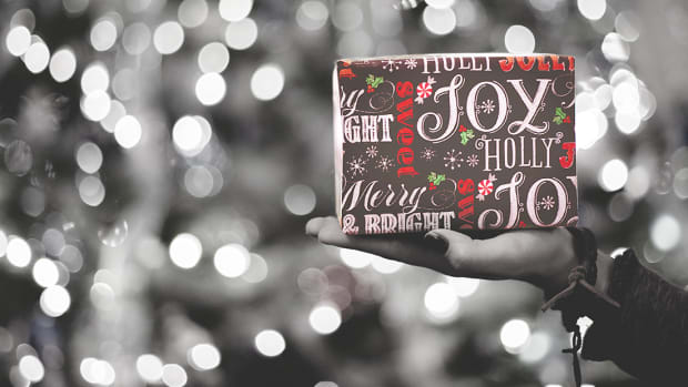 122017_The Procrastinator's Last Minute Gift Guide to Holiday Shopping With Free 2-Day Shipping_1200x620_v1