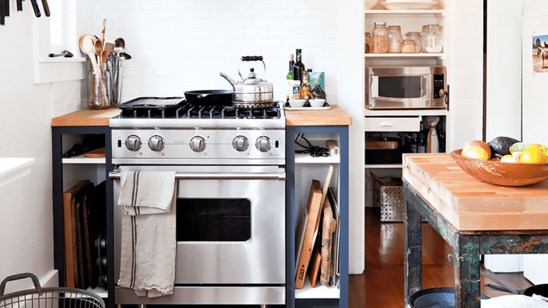 10 Types of Clutter You Can Toss ASAP Without Feeling Guilty
