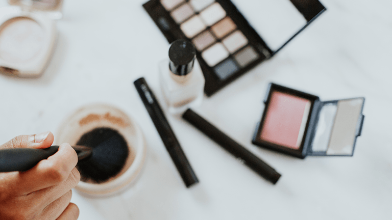 6 Zero-Effort Makeup Looks That Will Get You Out the Door Quicker
