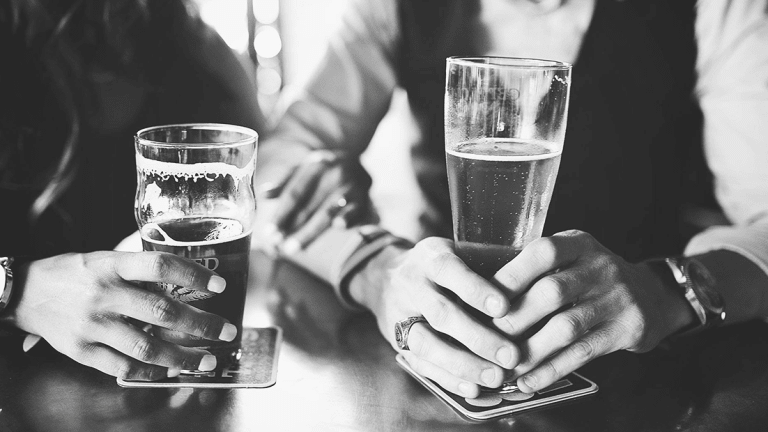 This 'How We Met' Story Is For Everyone Who Has Despaired of Meeting Their Future Husband In A Bar