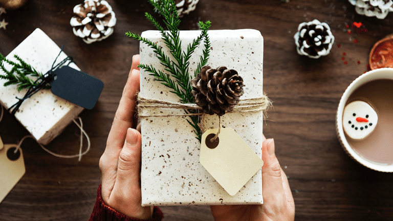 7 Tips on How to Think Like the Best Gift-Giver Ever