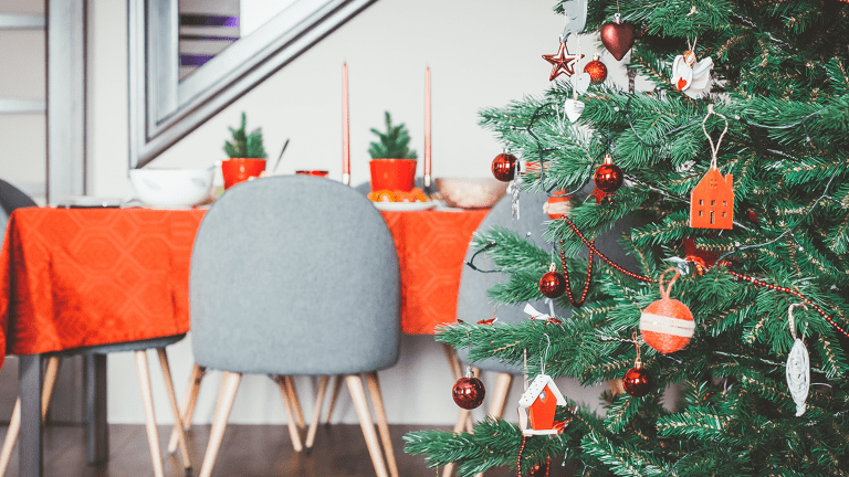 Cultivating Holiday Traditions as a New Family While Honoring Your Past