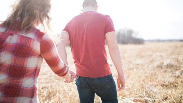 9 Reasons Why Women Date Older Men