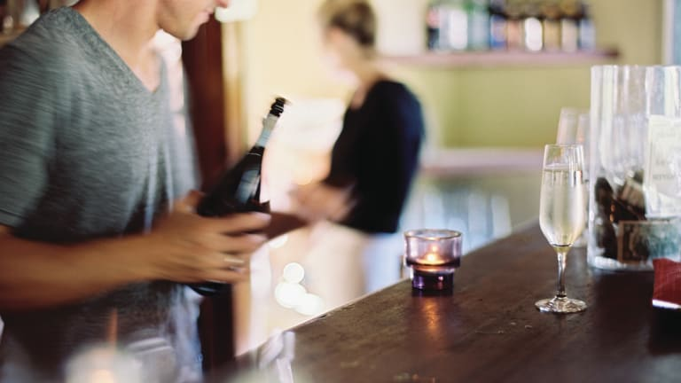 Is dating a bartender a bad idea