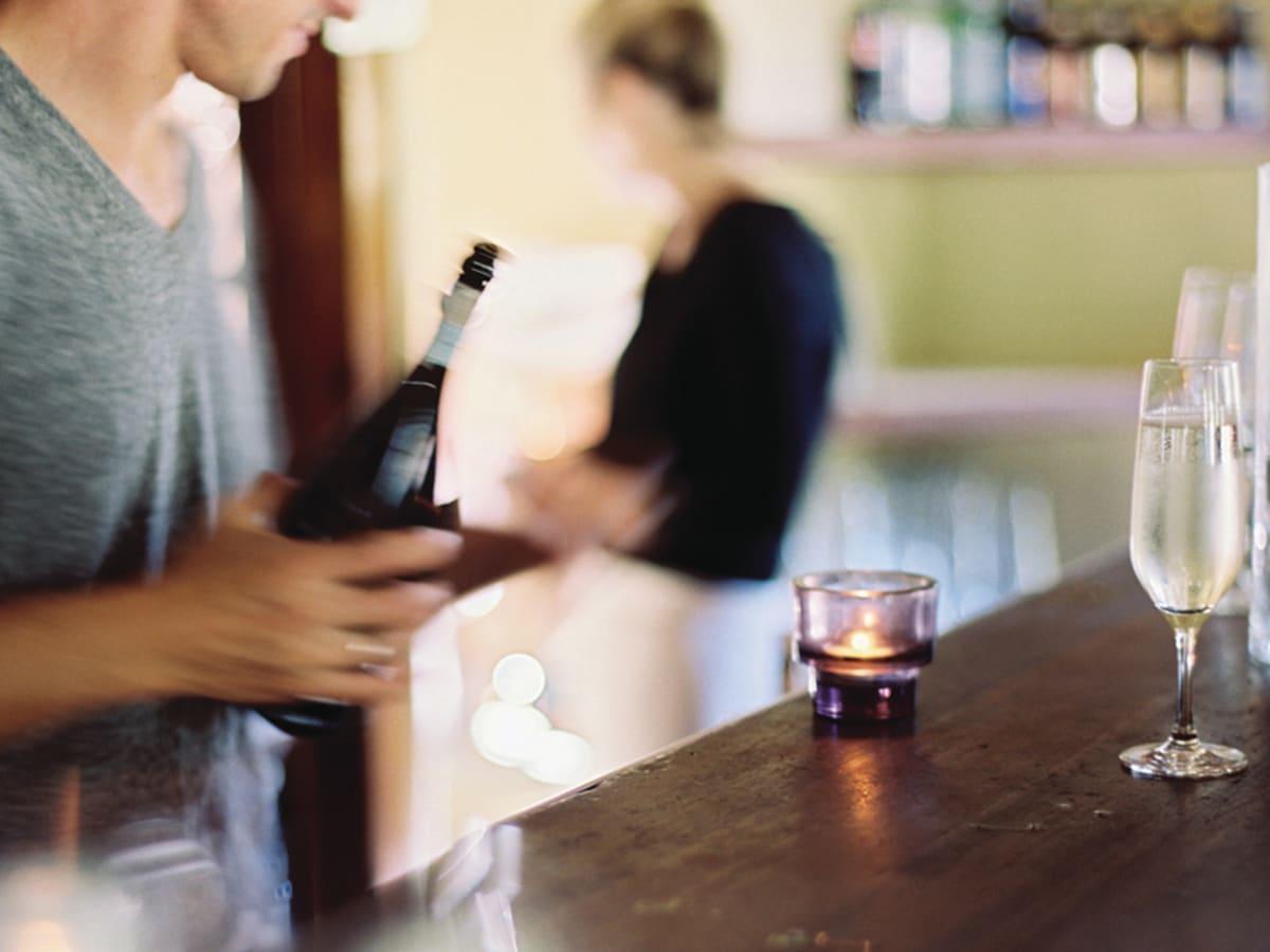 Dating Man Bar The Ducele