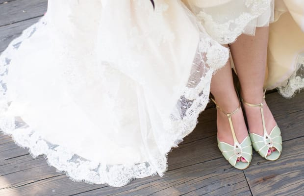 These Beautiful Accessories Are the Perfect Finishing Touches for Winter Brides