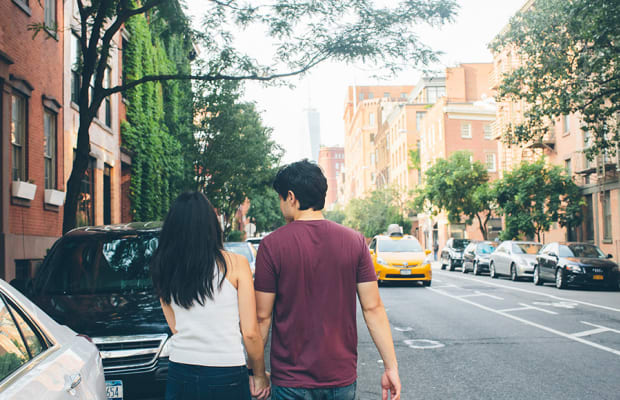 5 Playful, Interesting, and Totally Authentic Questions to Ask on Your First Date