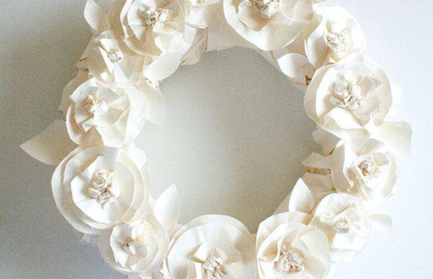 07 Butcher Paper Flower Wreath Alisa Burke.jpg