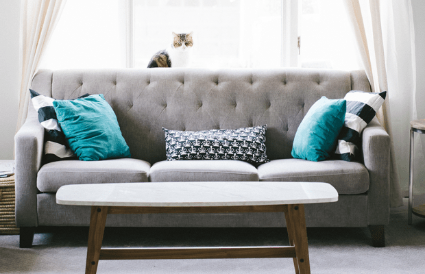 Home Decor Steals Every Interior Designer Searches for on Craigslist