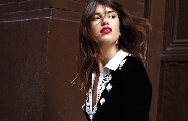 5 Hacks For Dressing Up Your Jeans Like A French Girl