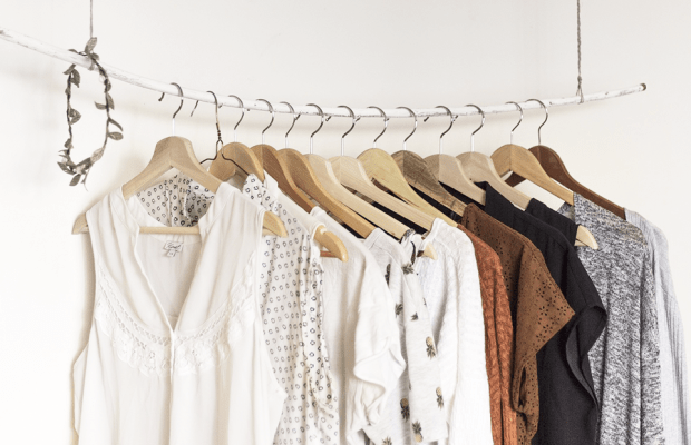 Clean Out and Organize Your Wardrobe Like a Professional in 4 Easy Steps