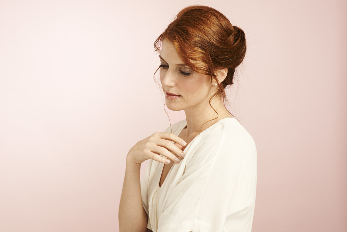 Think You Can't Do A French Twist? These 4 Easy Steps Will