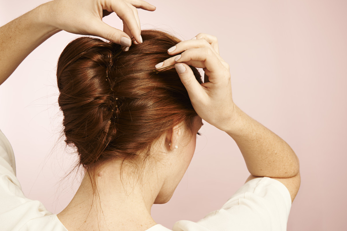 Think You Can T Do A French Twist These 4 Easy Steps Will Prove You
