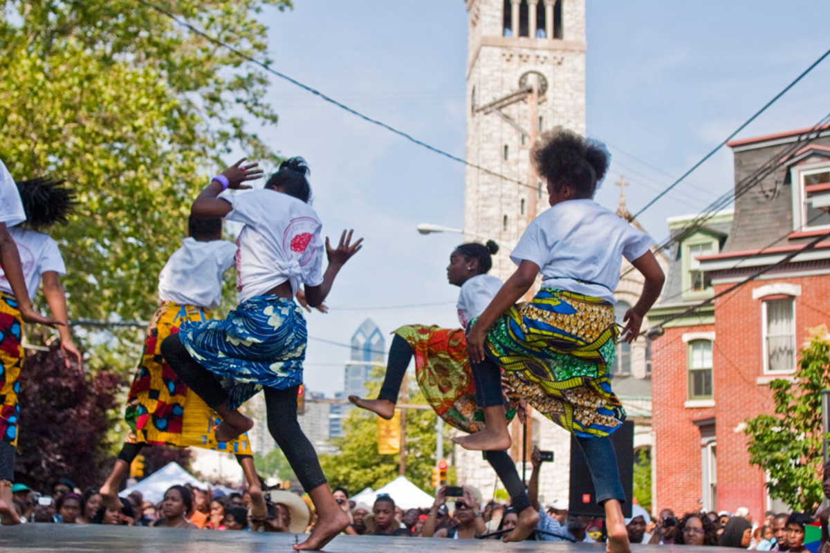 The Odunde Festival, held each June on Philadelphia's South Street, is the largest African-American street festival in the nation. (M. Edlow for Visit Philadelphia)