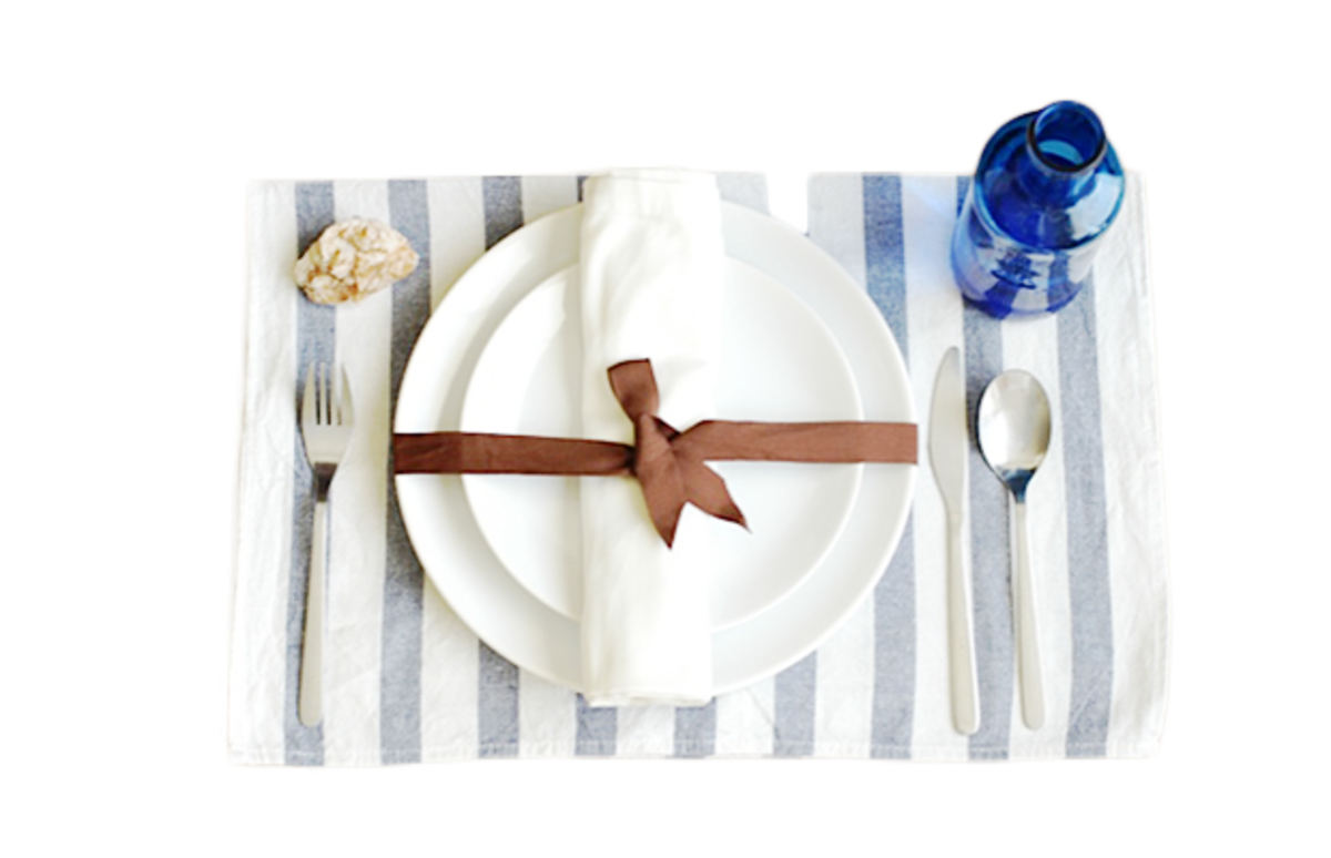 Verily_DIY table settings Blue