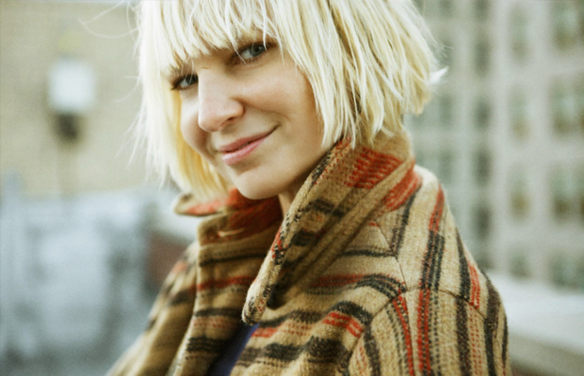 On sia the introverted chart topper valuing excellence over fame sia arubaitofo Image collections