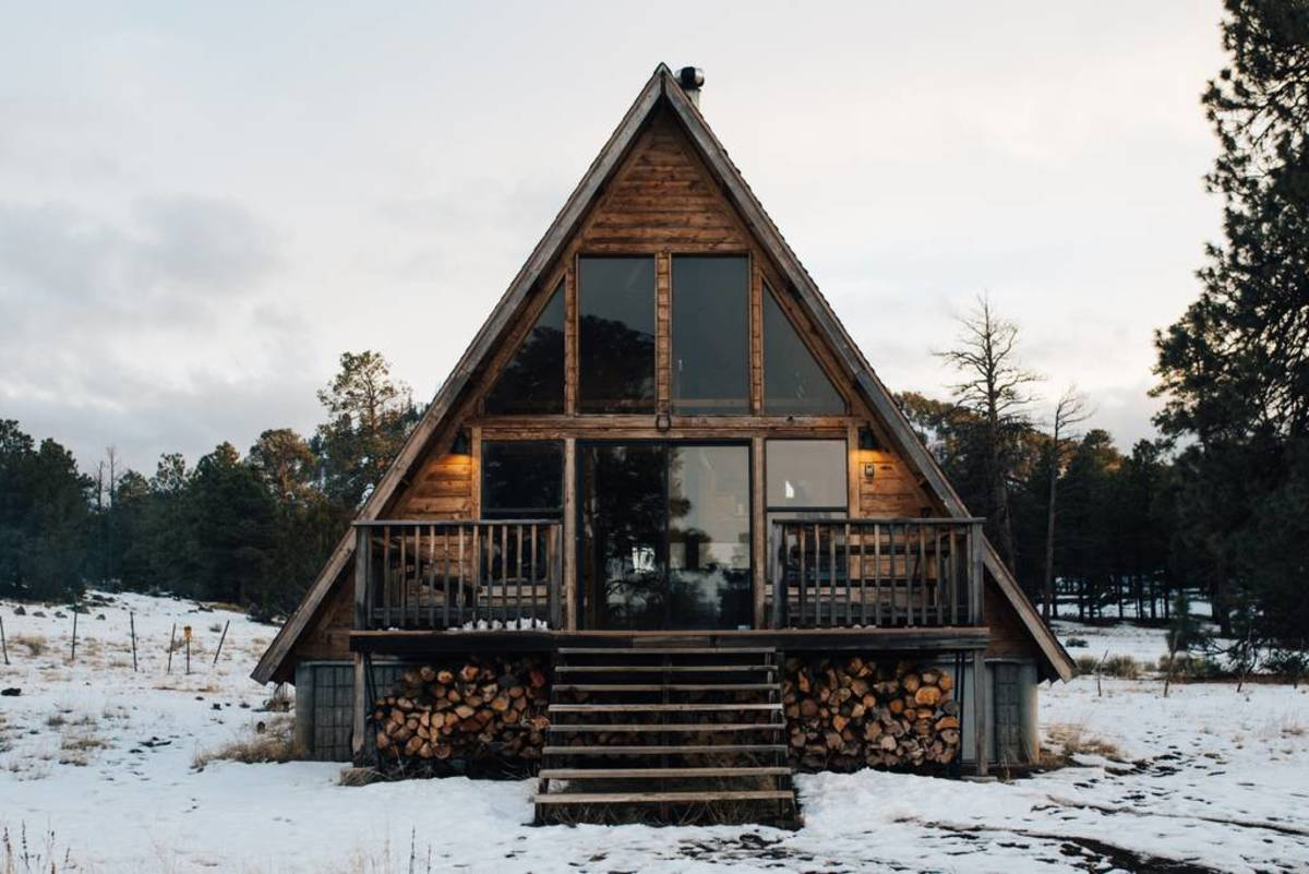 The best airbnb fall and winter cabin rentals in the u s for Luxury winter cabins