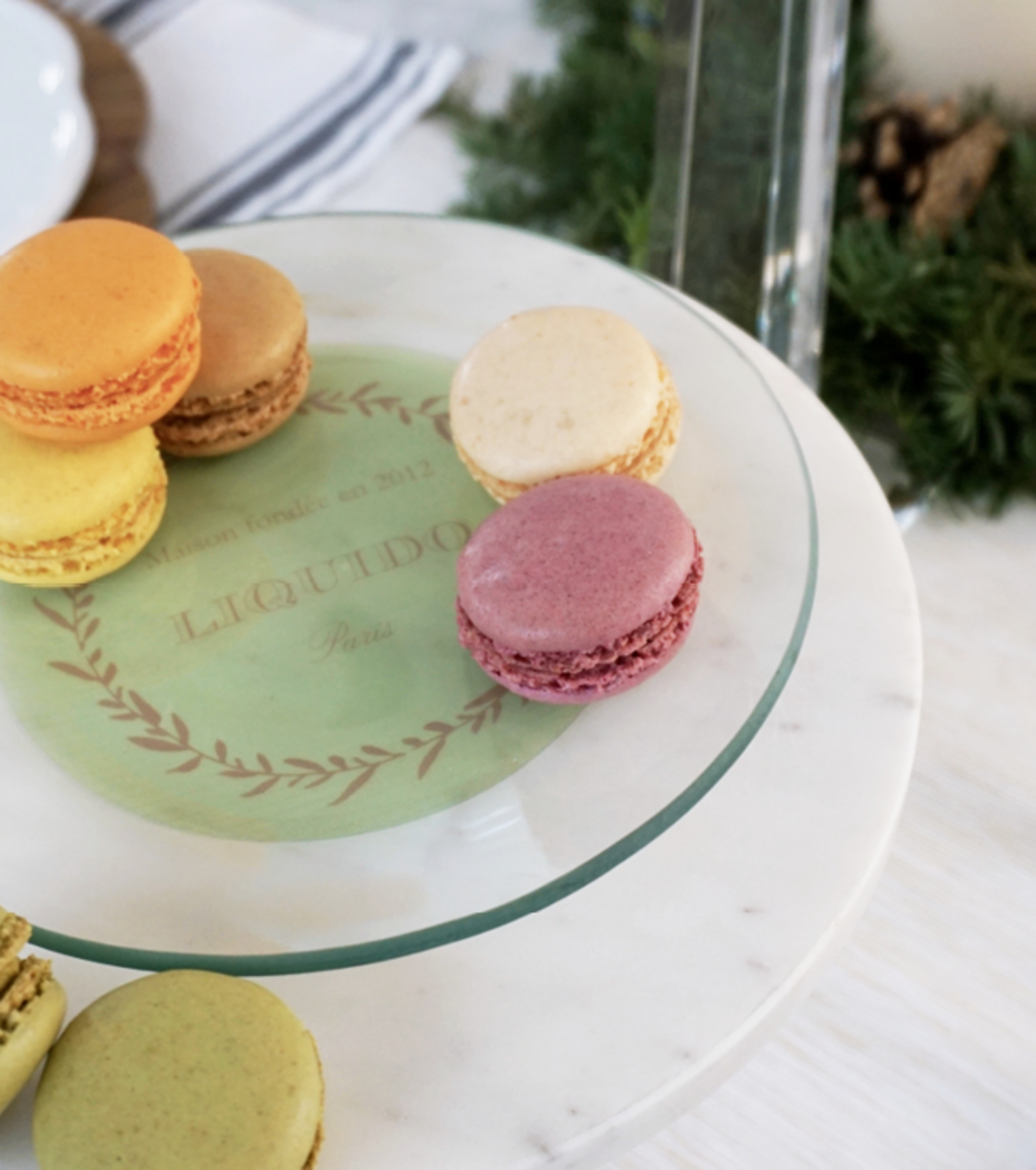 The design for this Shutterfly glass plate featuring our family name was inspired by Ladurée, one of our favorite Parisian pastry shops. Using it for pastries and sweets transports us to a pâtisserie.