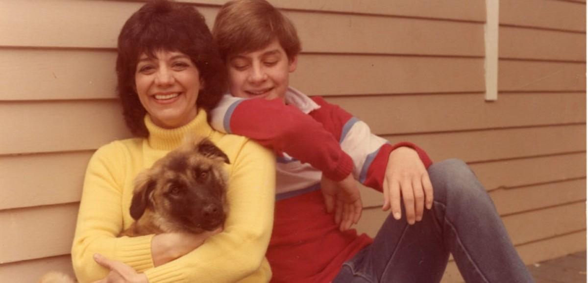 Sue Ellen Browder with unidentified companions in the 1970s. (Photo courtesy of Sue Ellen Browder)